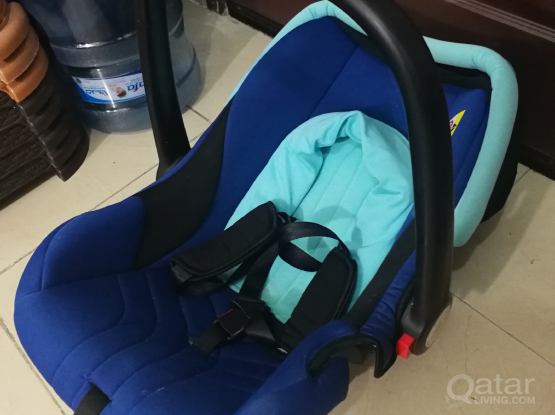 Junior's Baby Car Seat like new (call 33831234)