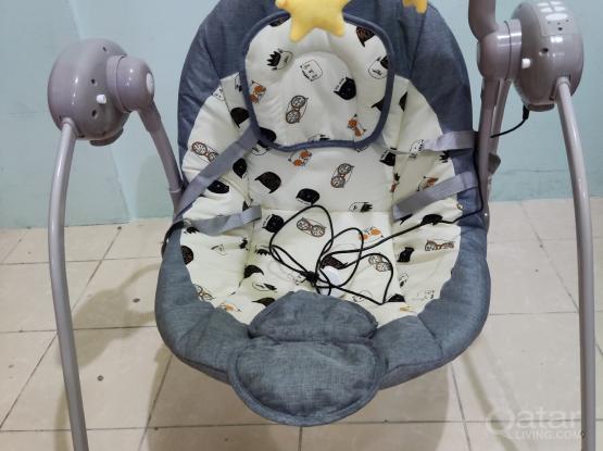Baby swing electronic like new