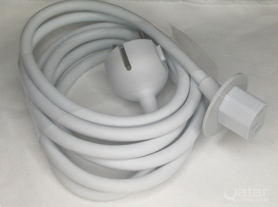 Apple power cable (call 33831234)