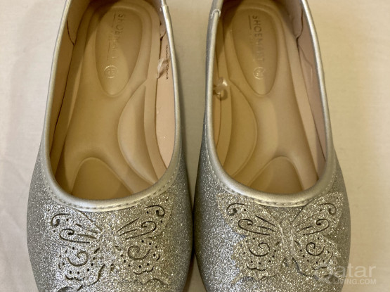 NEW Girls Shoes (EUR 34 / 35)