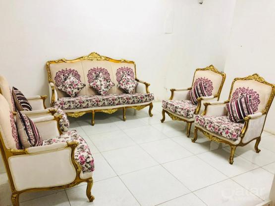 For sale classical sofa set