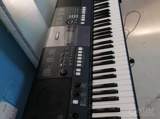 Yamaha Piano key Board E423 Model